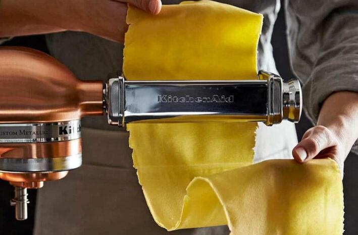 Pastamachine die verse pasta rolt