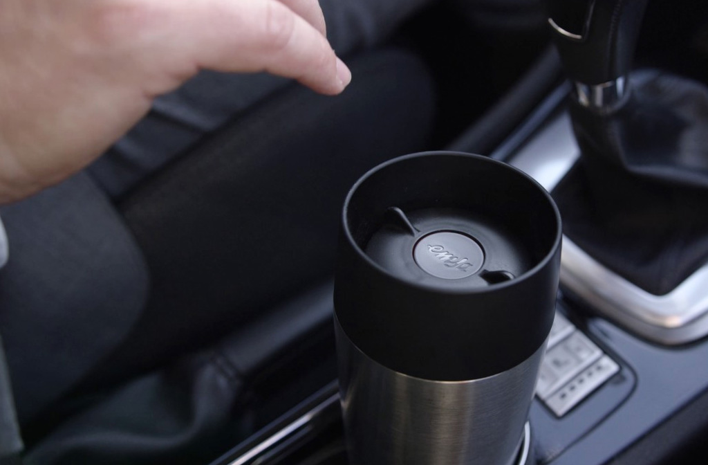 Beste thermosflessen, bekers en kannen: Tefal Travel Mug in de auto