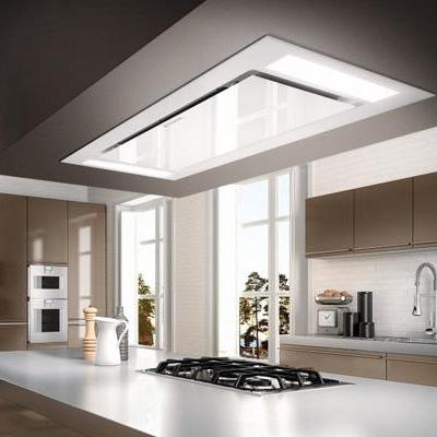 Afzuigkap ingebouwd in het plafond van de keuken